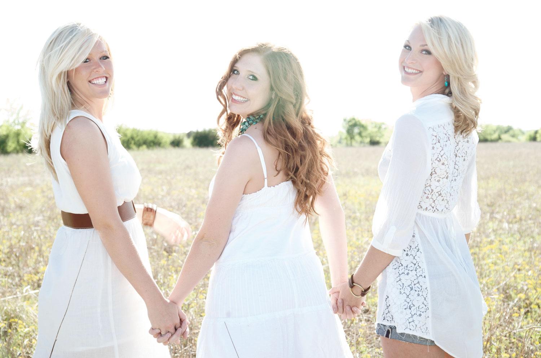 Senior portrait photography sisters