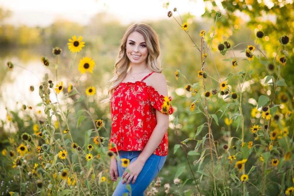 Sunflower senior pictures in Colorado