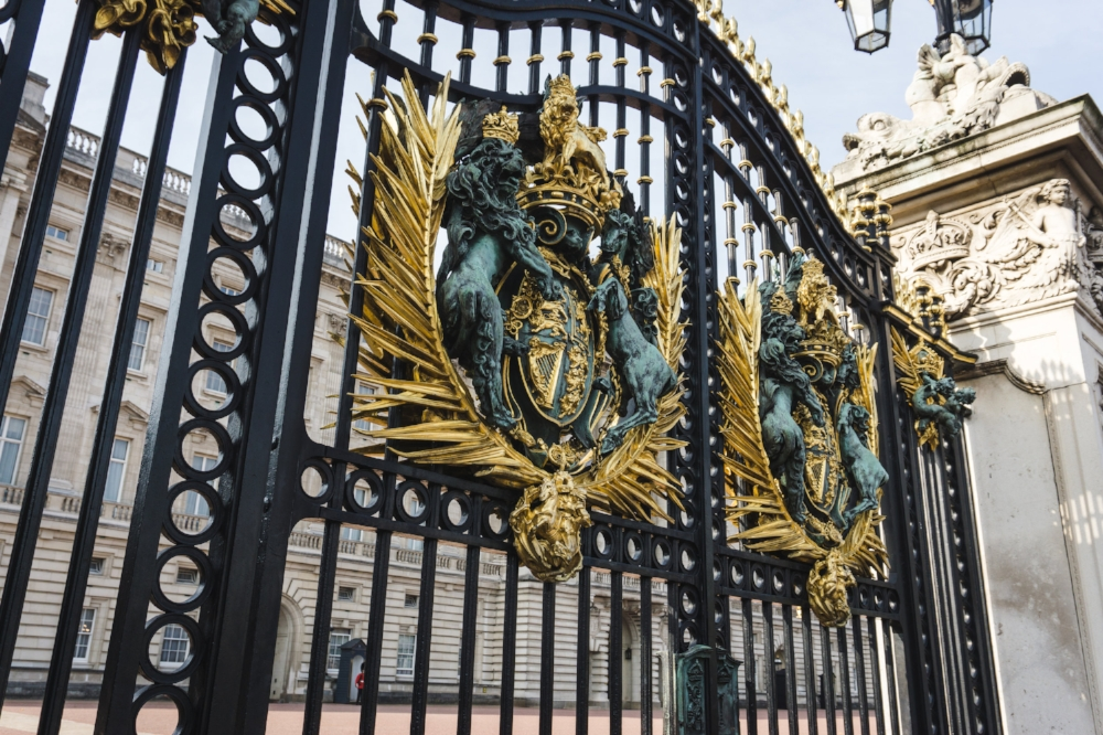 Buckingham Palace Gate_London_Tripp Films