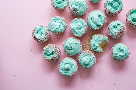 Cupcakes | 6 Creative Ways to Beat a Bad Mood | dianemunoz.com