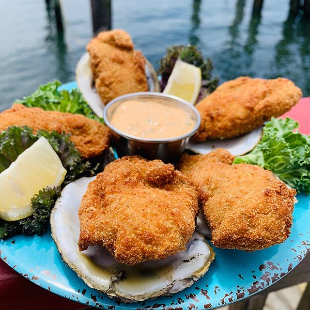 Anyone in the Mood for Some Crispy Oysters... Hmmmmmm🤔 We Sure Are!#freshseafood #oysters #eatlocal #pointpleasantbeach #foodiesofinstagram #njisntboring #njeats #redslobsterpot #foodphotography
