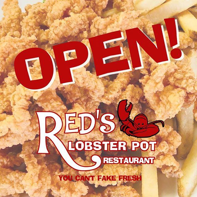 Red's is open! Come try our Crispy Clam Strips with Homemade Cocktail Sauce! Yum! 😋  #clamstrips #yum #lunch #PointPleasantBeach #JerseyShore
