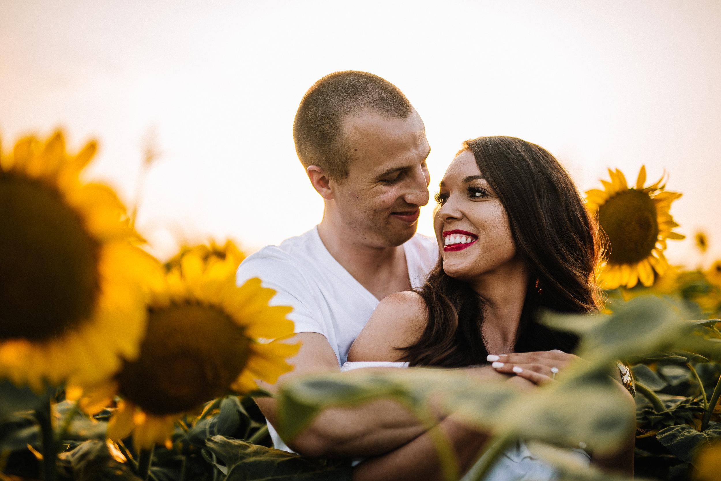 Kaitlynne&Van_Sunflowers_Ashley-Benham-Photography-10.jpg