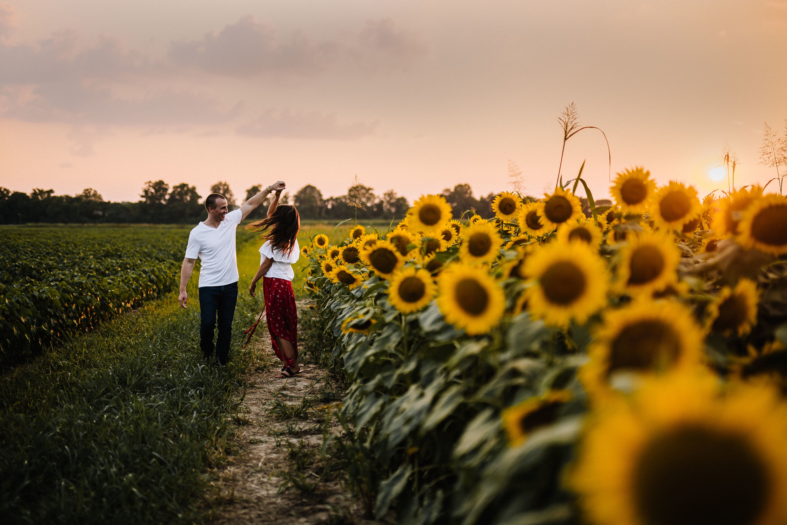 Kaitlynne&Van_Sunflowers_Ashley-Benham-Photography-46.jpg