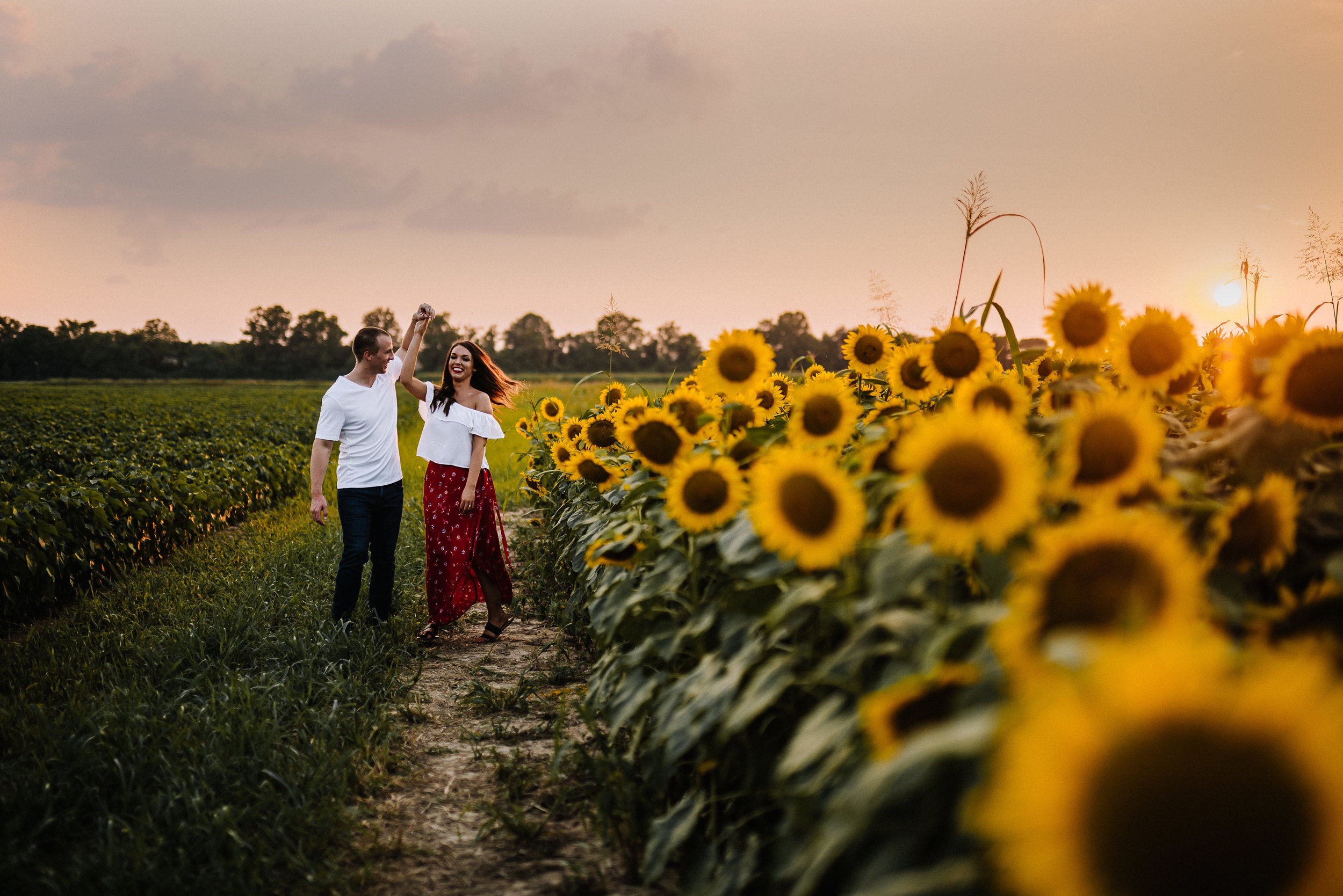Kaitlynne&Van_Sunflowers_Ashley-Benham-Photography-45.jpg