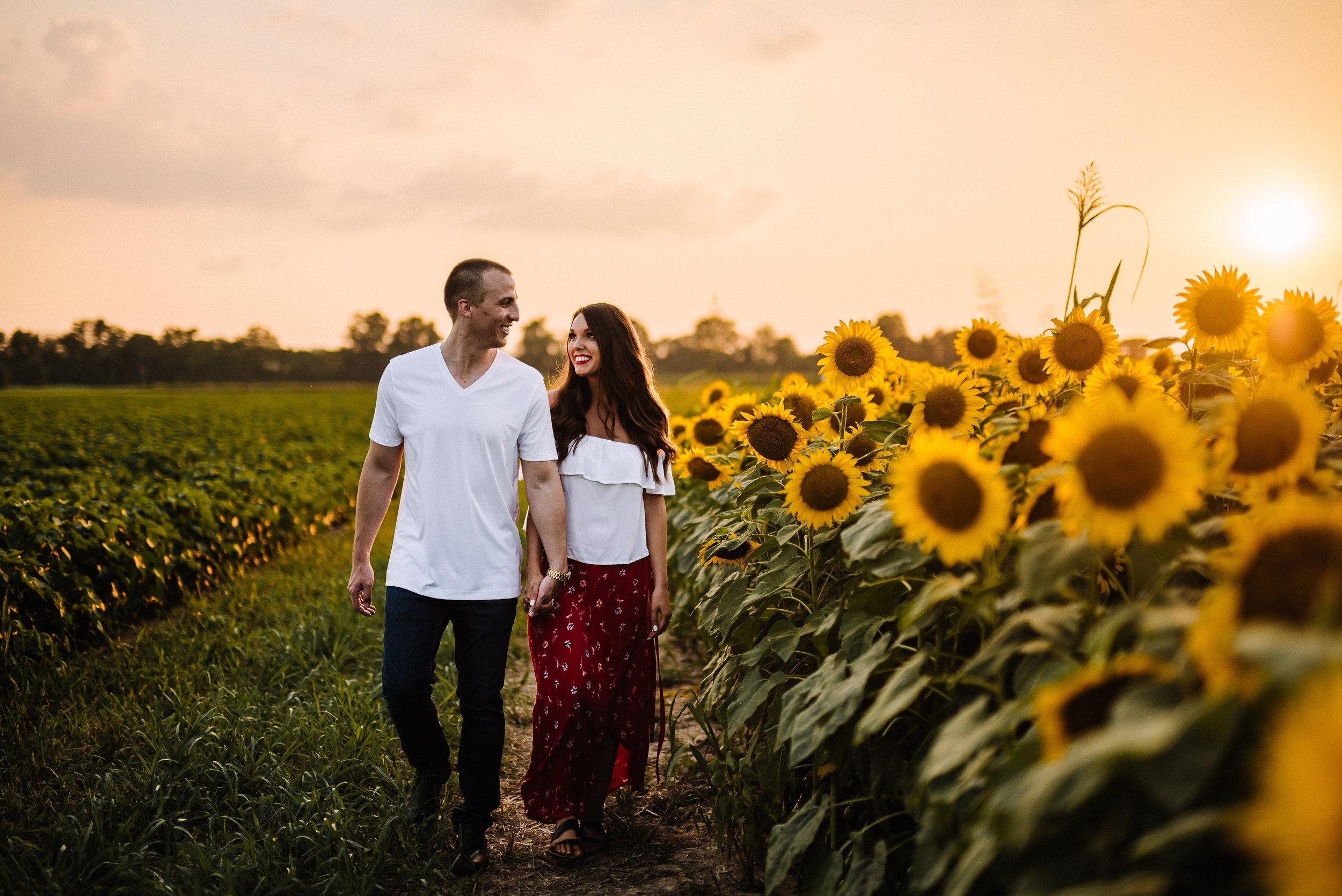 Kaitlynne&Van_Sunflowers_Ashley-Benham-Photography-28.jpg