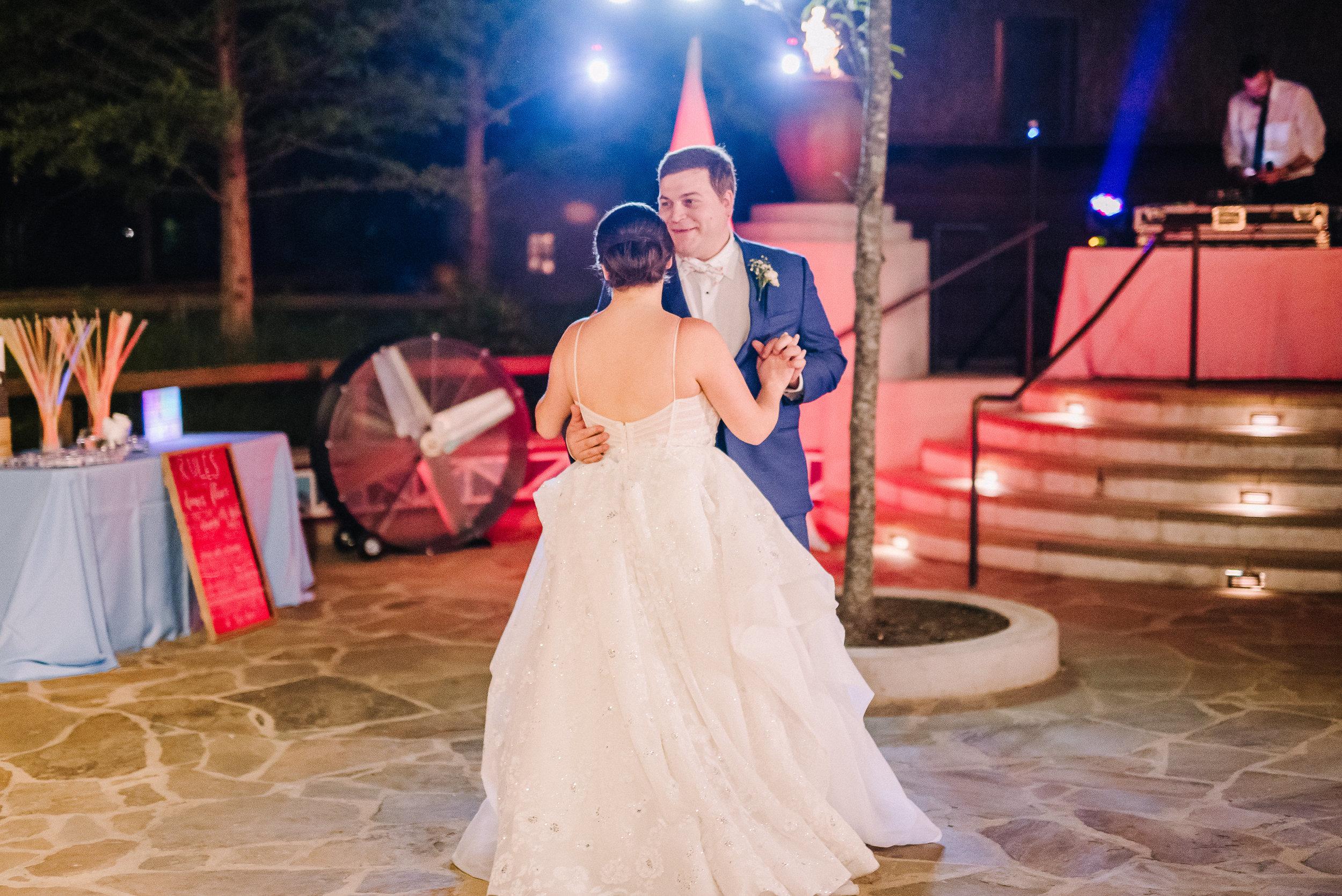 Smith Wedding_Memphis Zoo_Ashley Benham Photography-687.jpg