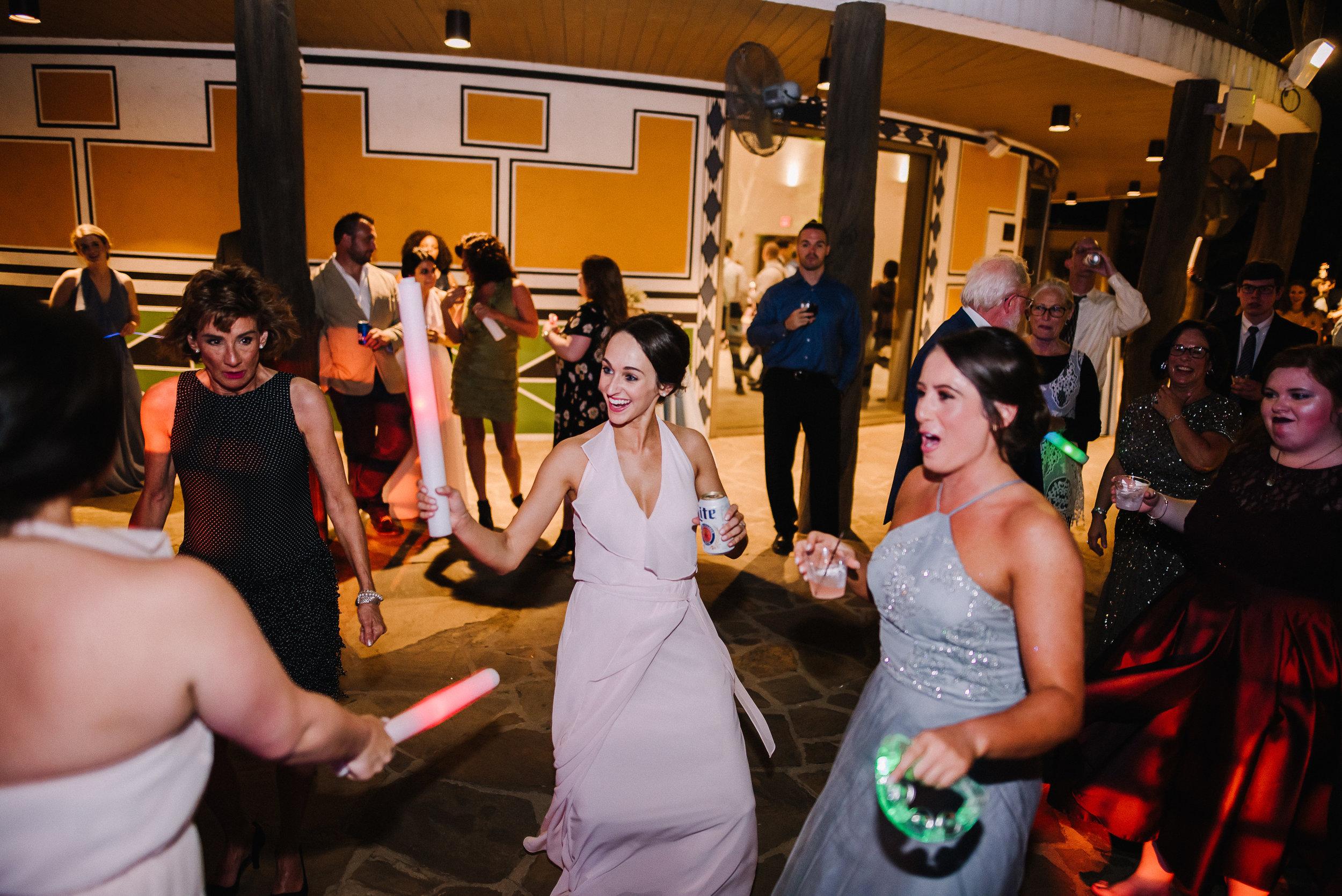 Smith Wedding_Memphis Zoo_Ashley Benham Photography-867.jpg