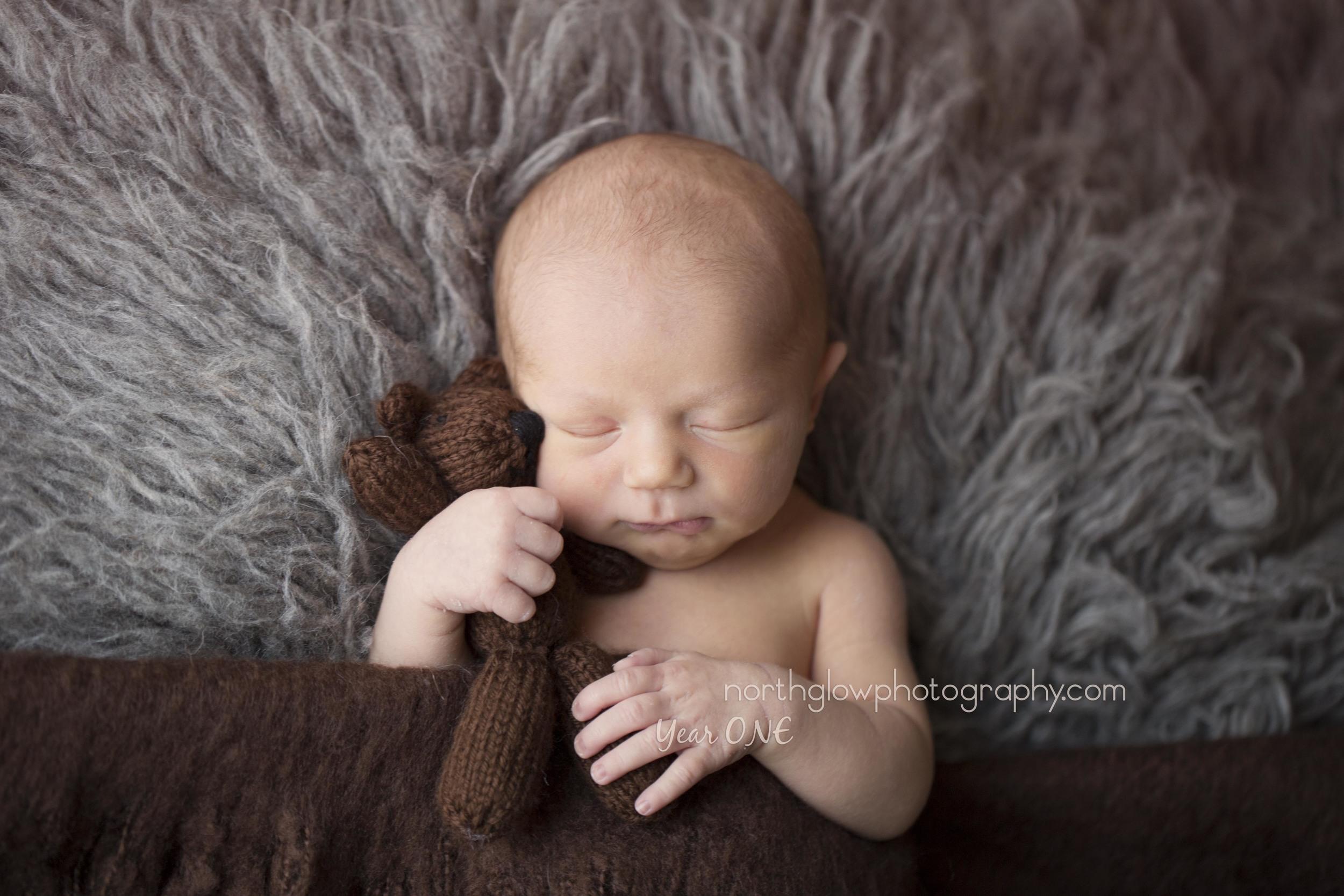 Elliot Newborn | NorthGlow Photography