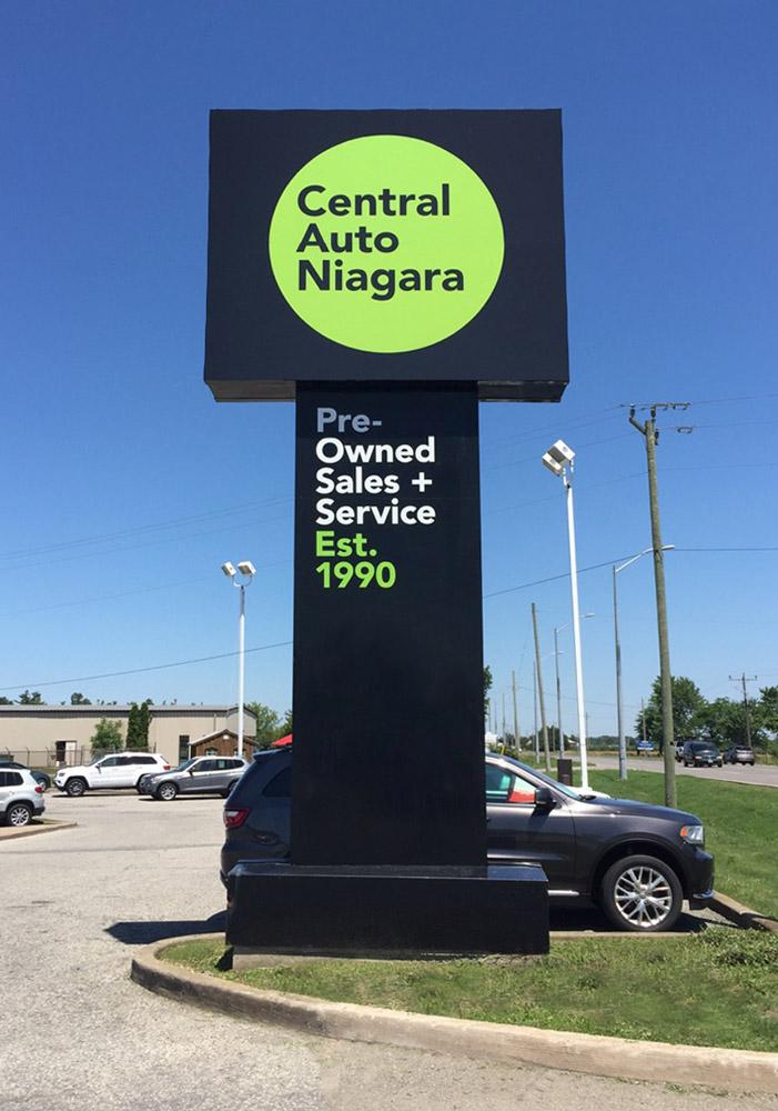 Central Auto Niagara / Sign