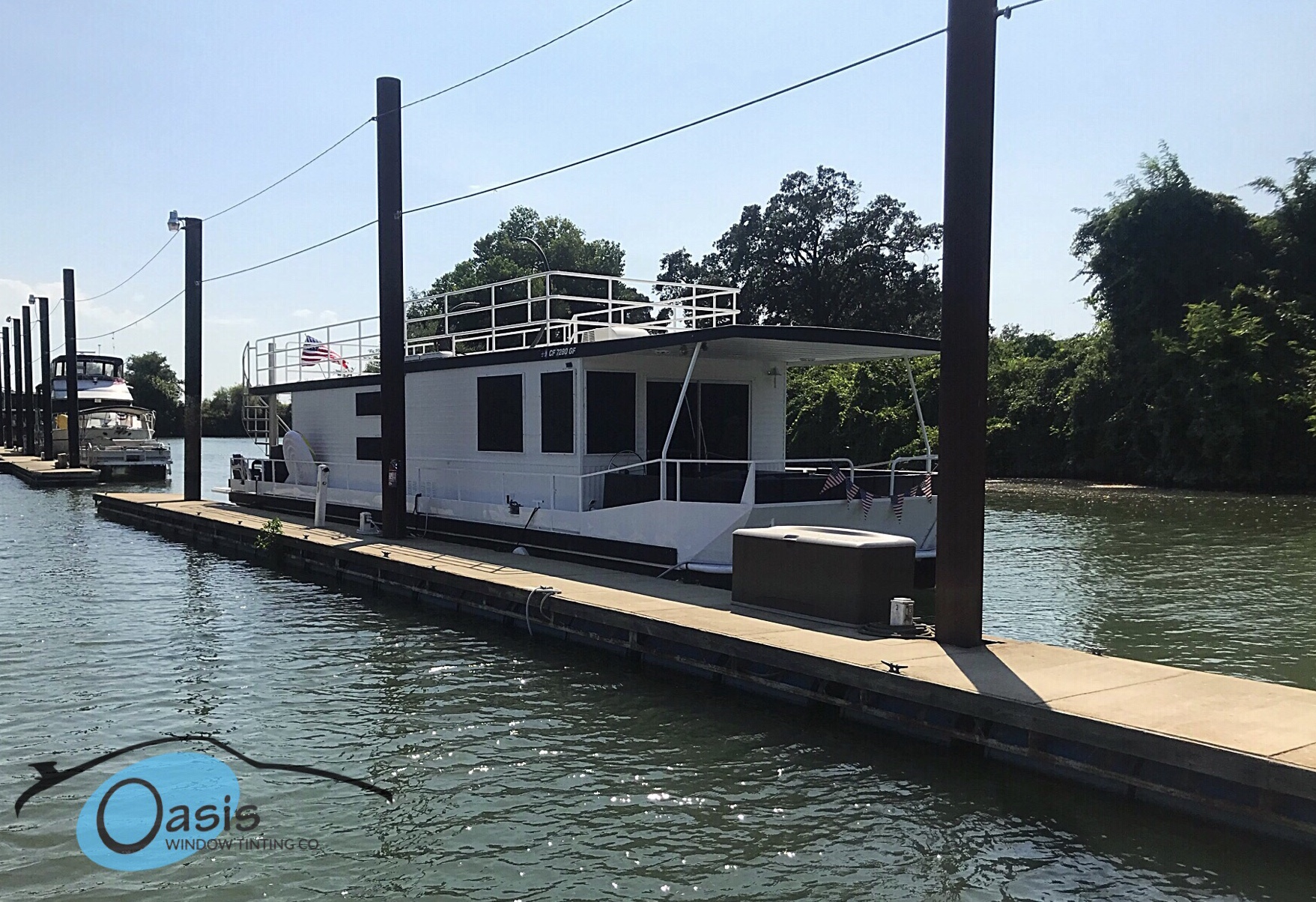 Carbon 5% on this houseboat