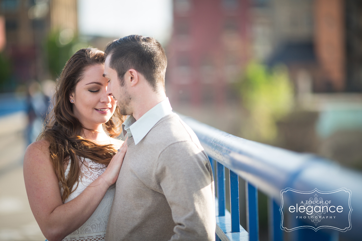 high-falls-rochester-engagement-session004.jpg