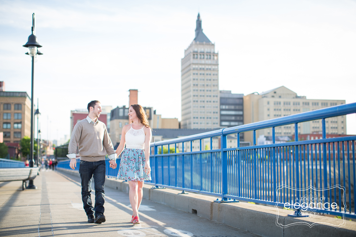 high-falls-rochester-engagement-session012.jpg