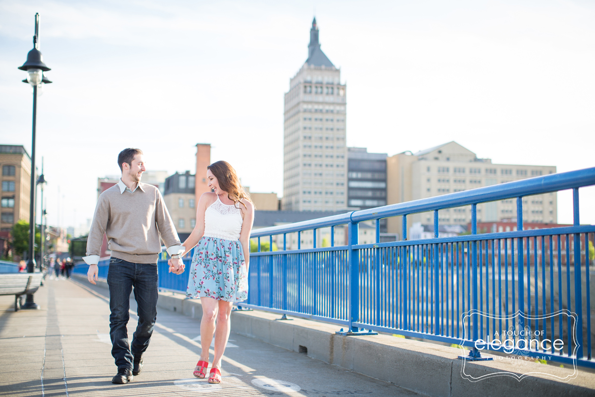 high-falls-rochester-engagement-session013.jpg