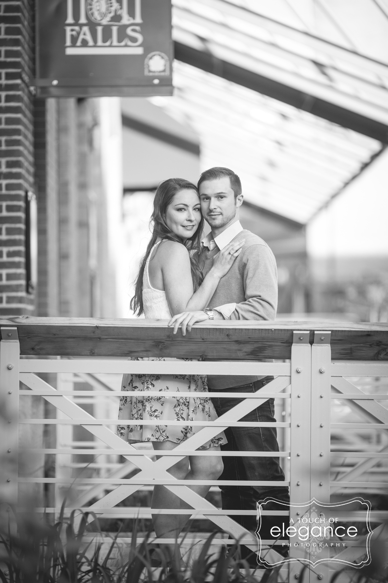 high-falls-rochester-engagement-session026.jpg