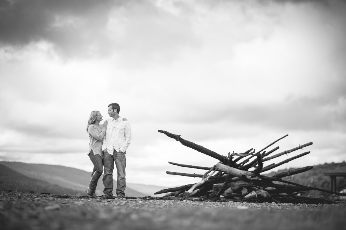 a-touch-of-elegance-photograpy-rochester-engagement-photos-030.jpg