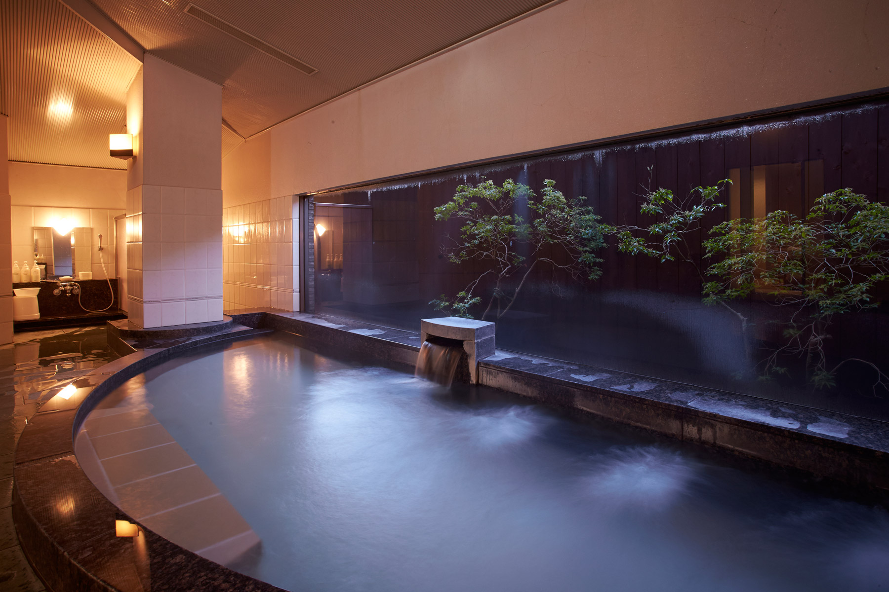 karuizawa-japan-golf-resort-hot-spring.jpg