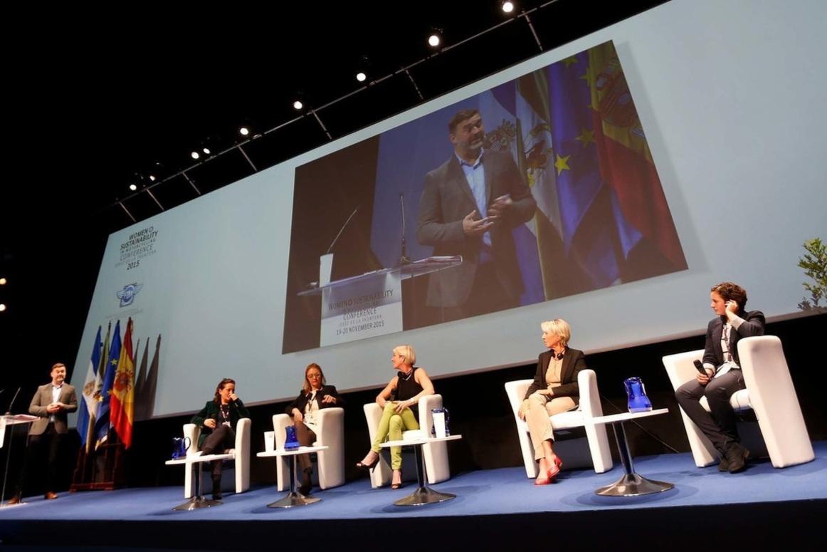 187_Women_Sustainability_conference_Plenarysession1.jpg