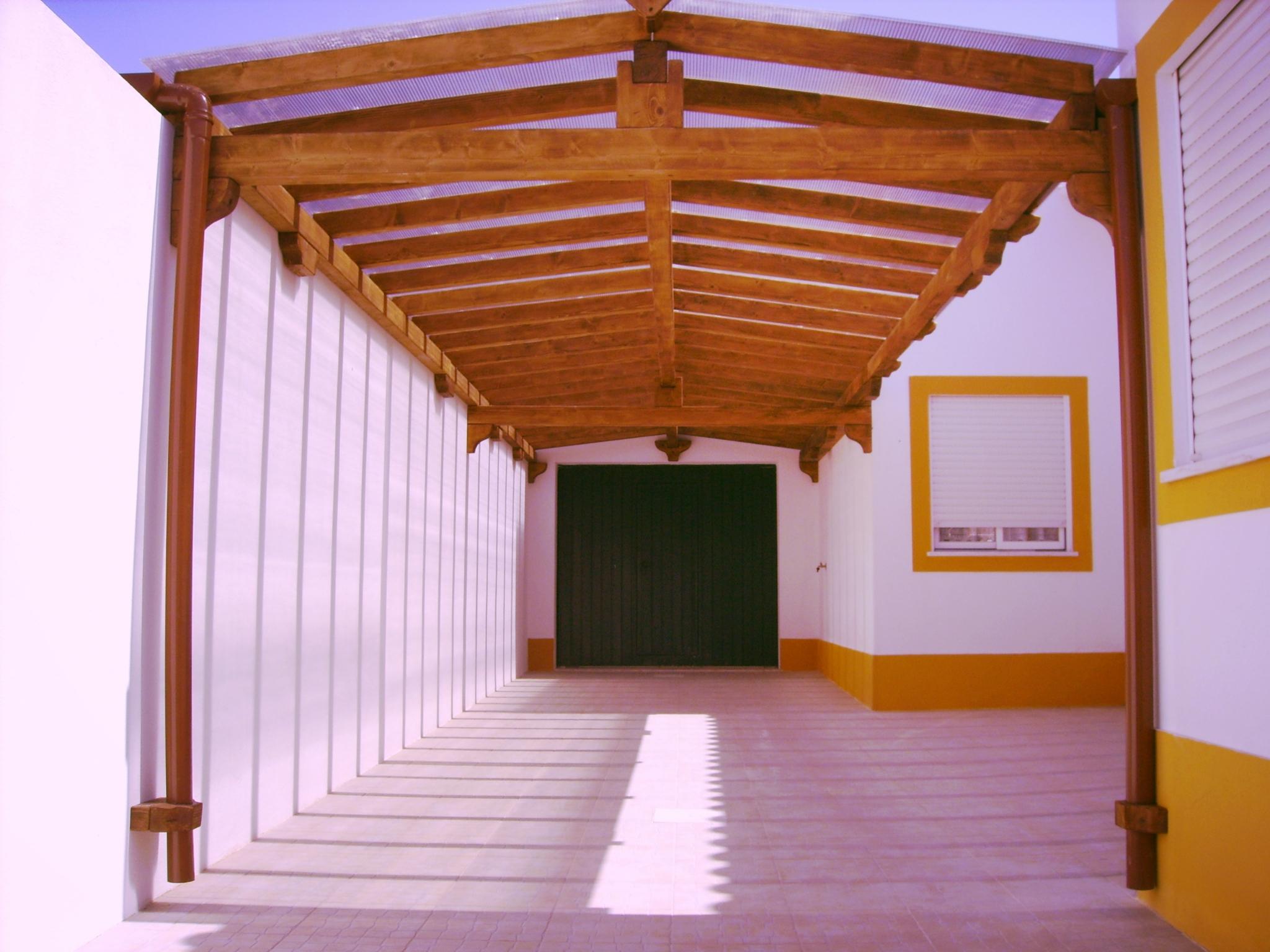 telheiros-madeira-pergolas-deck-terraços-varandas-estruturas madeira-jardins-garagem-casa