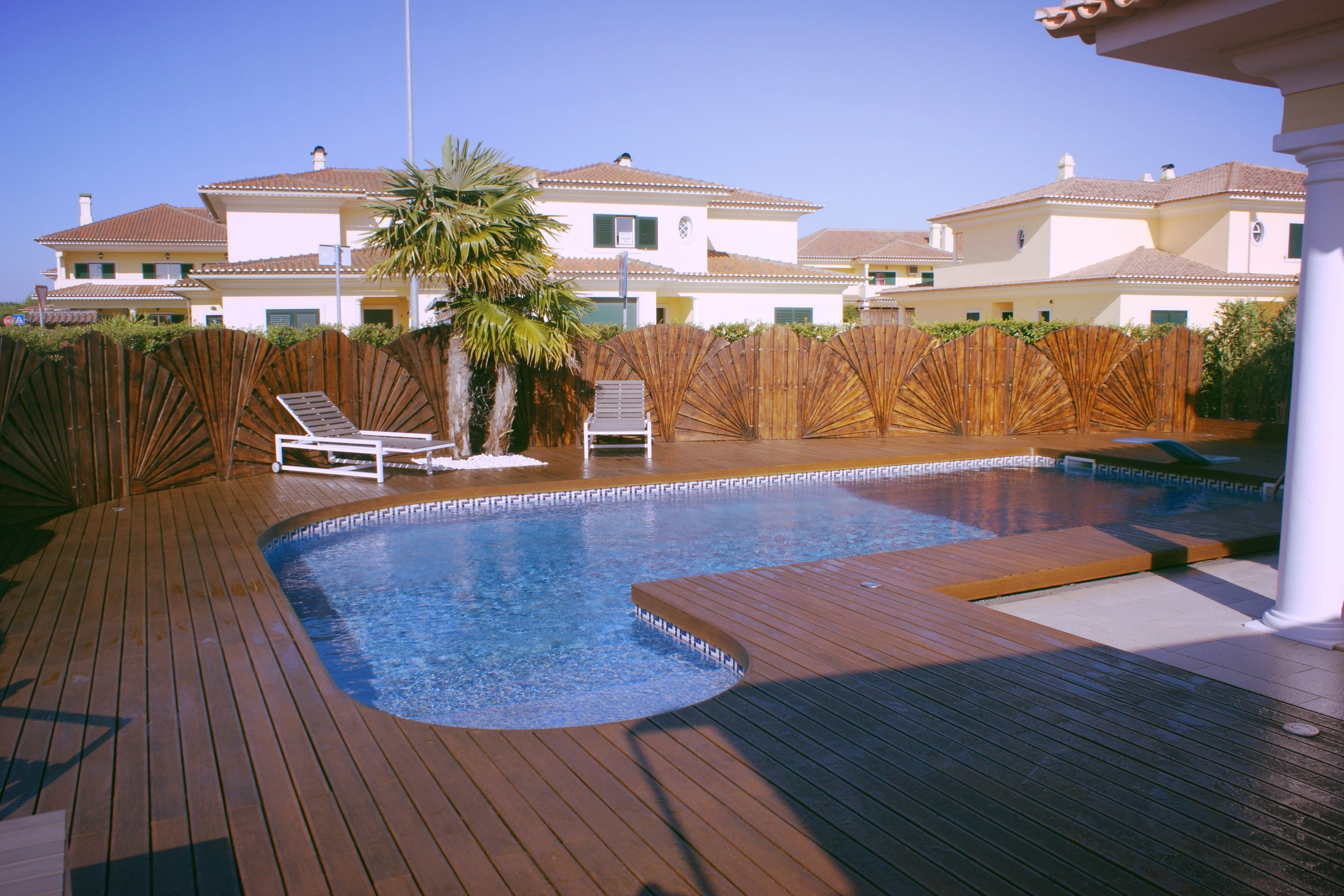 Deck piscina 2572.JPG