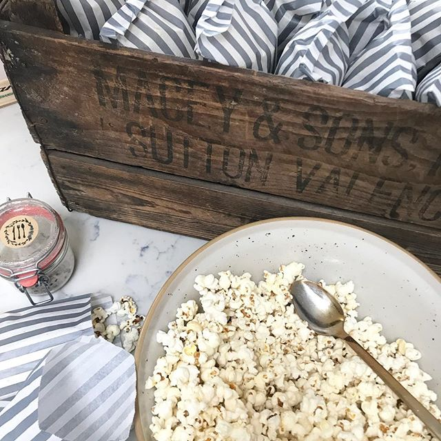 Popcorn for days.... preping for a big event today and really enjoying being back in the kitchen after a years maternity leave 😊🙌🏻 . . . #catering #londoncaterer #londoncaterers #mumboss #plantbasedchef #lovefood #goodmoodfood #naturalchef #eventprofs