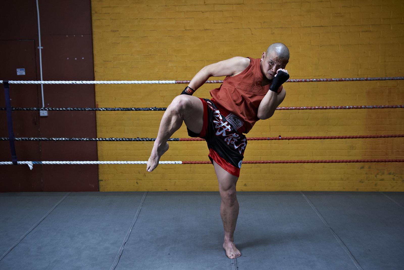 Shaolin temple uk shifu yanzi kick 8.jpg