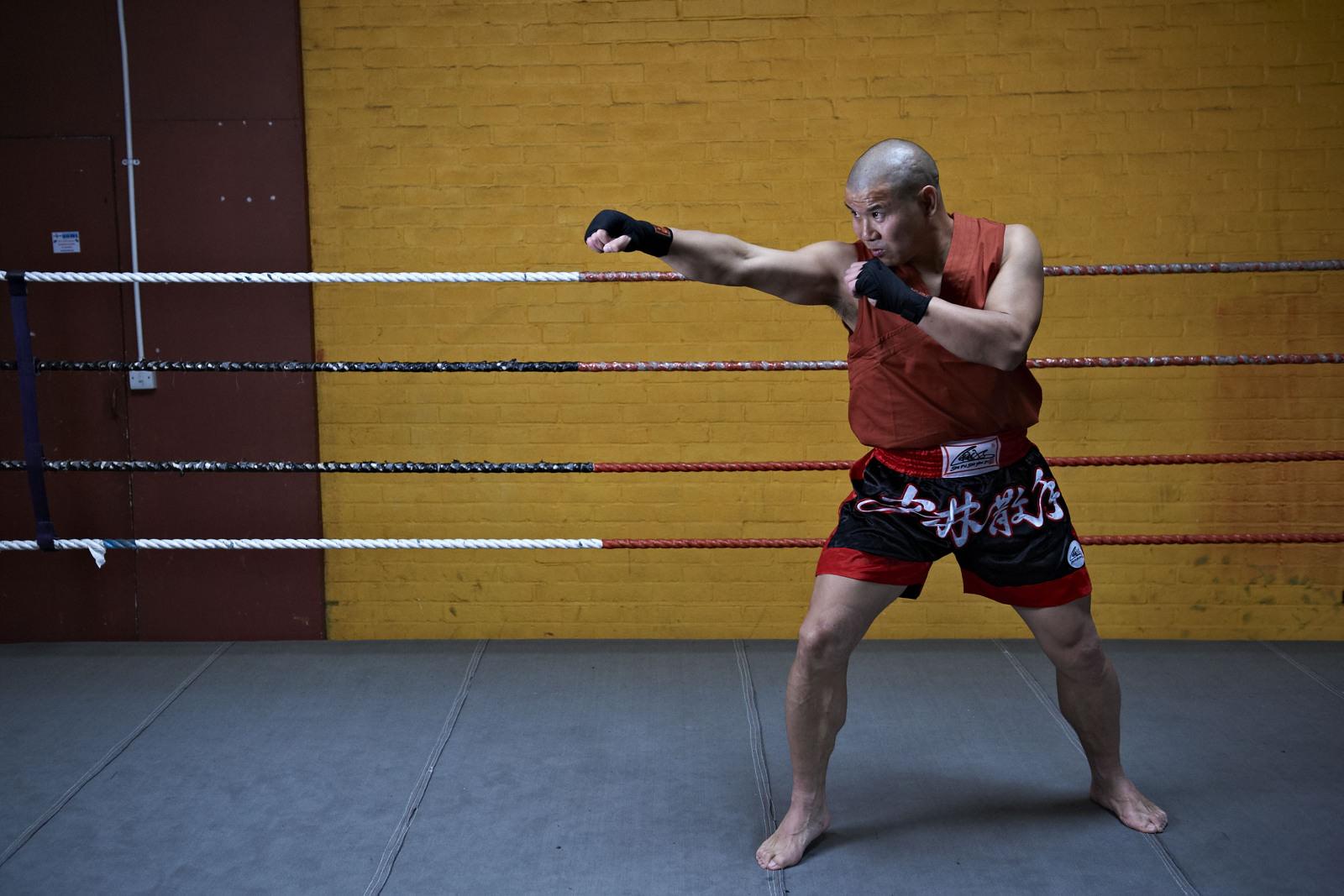 Shaolin temple uk shifu yanzi kick 9.jpg