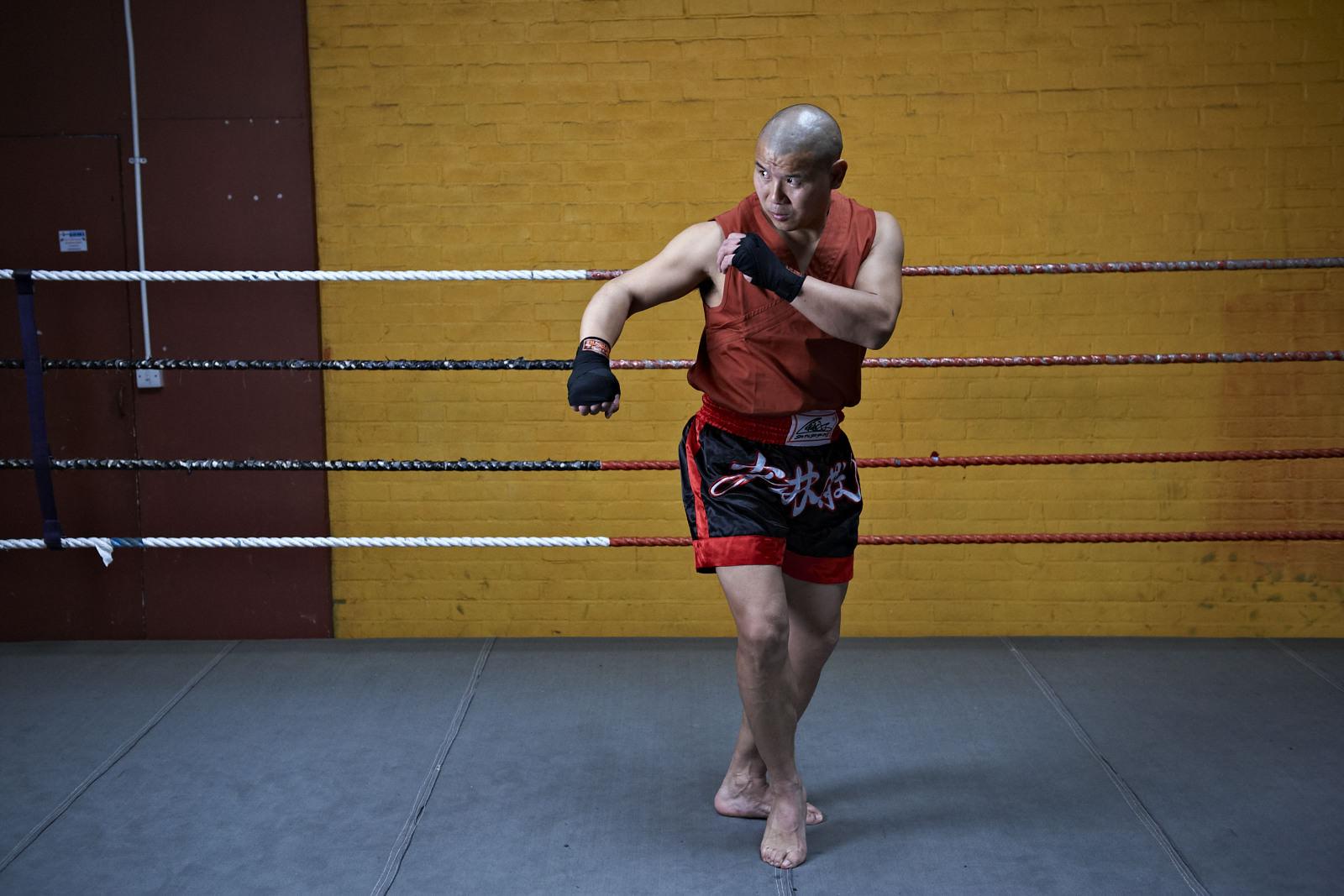 Shaolin temple uk shifu yanzi kick 10.jpg