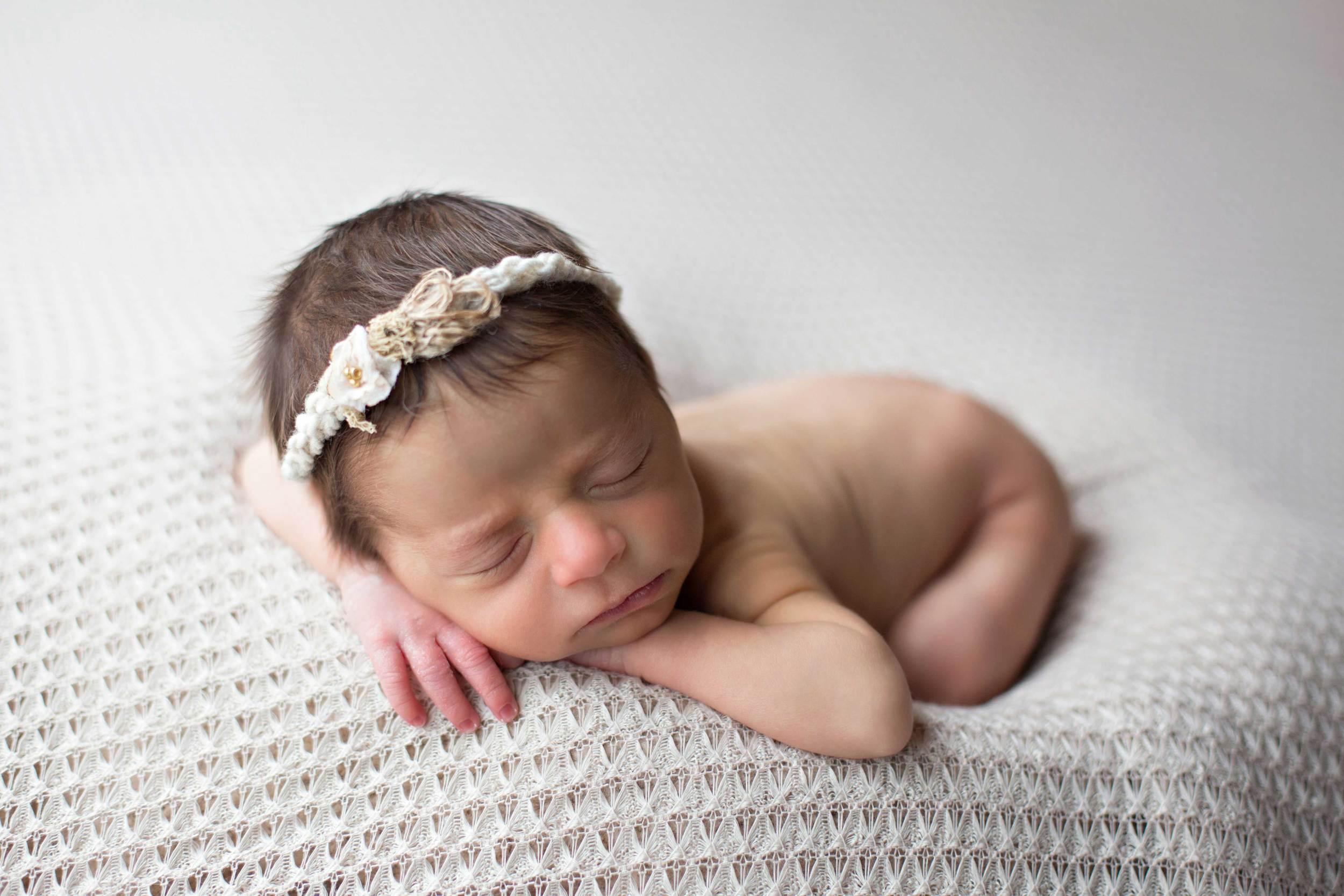 Omaha-Newborn-Photographer-Lyla4.jpg