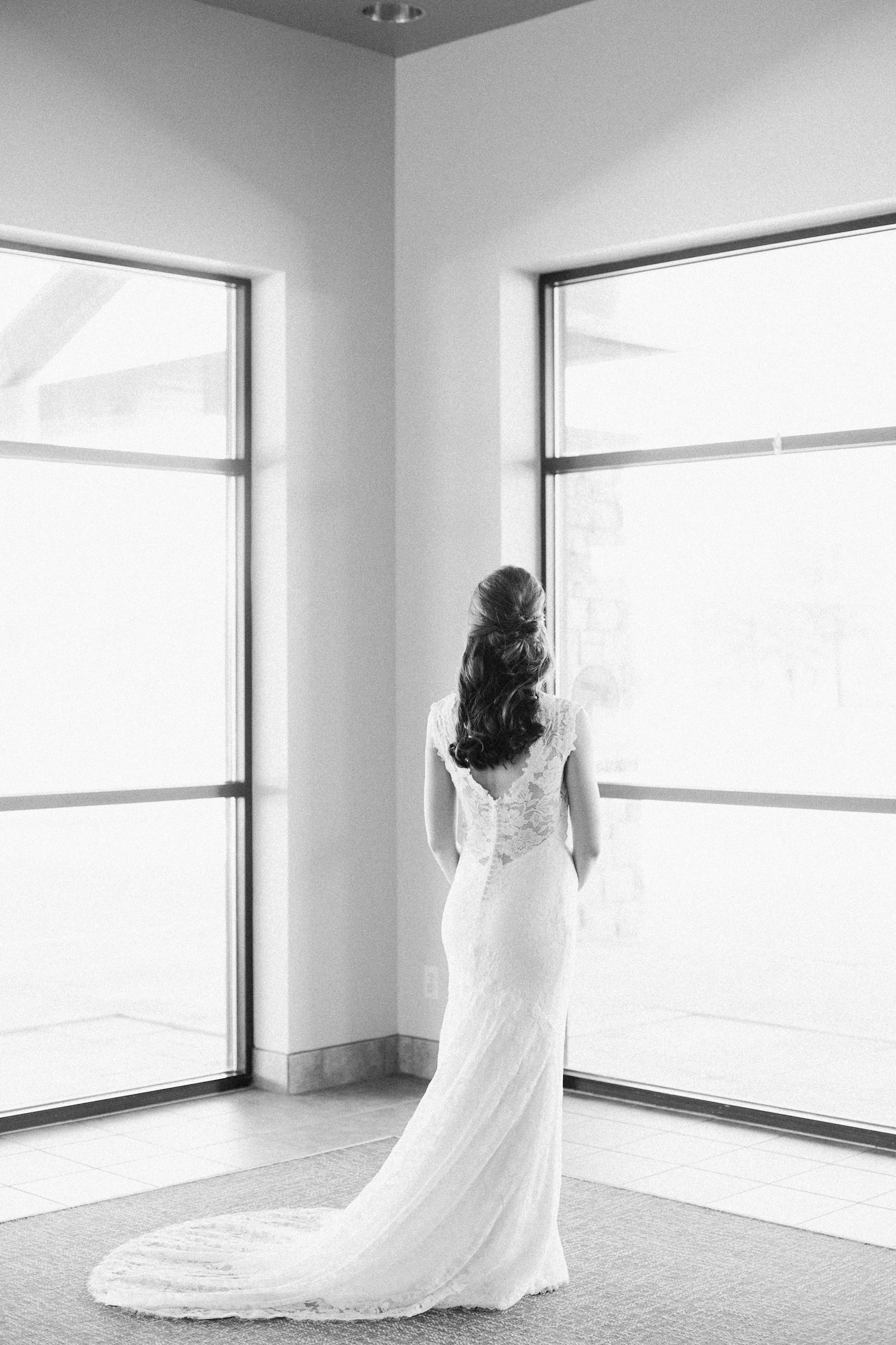 Omaha Wedding Photographer_7.jpg