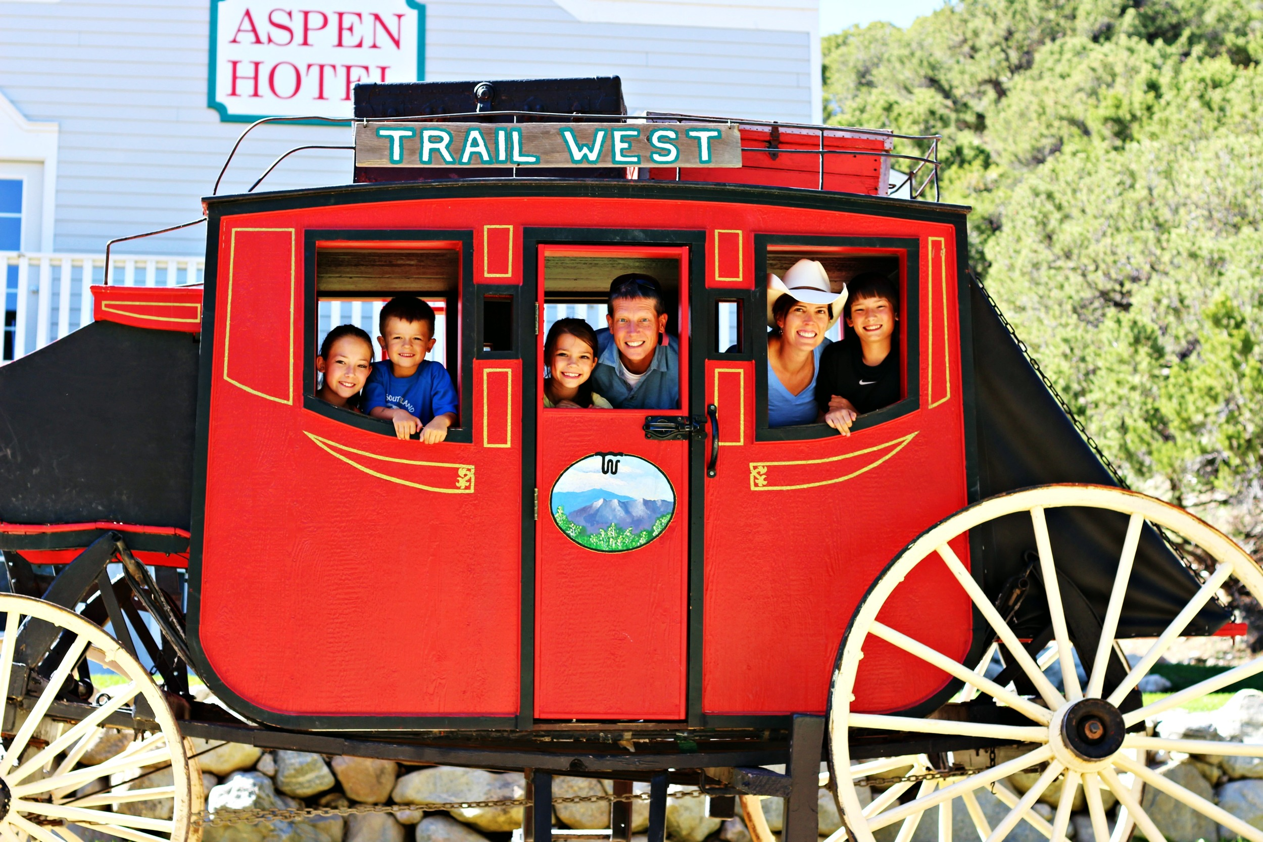 stage-coach-family-trail-west-lodge
