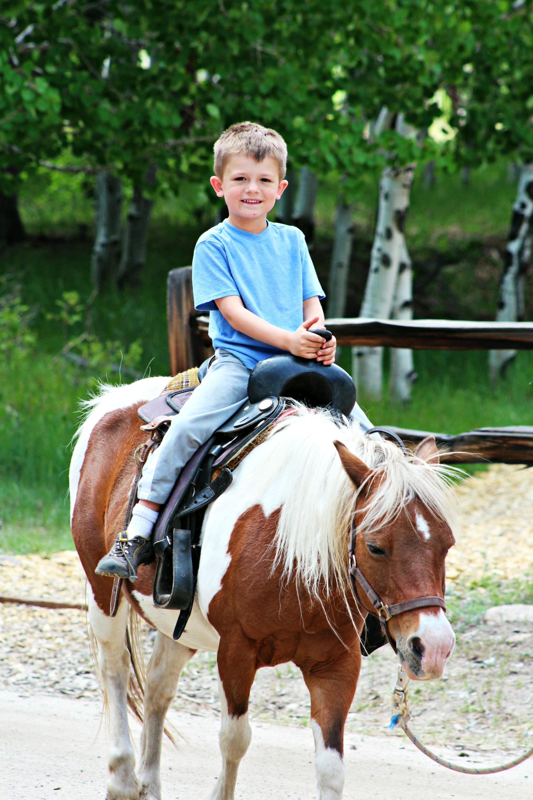 trail-west-pony-ride
