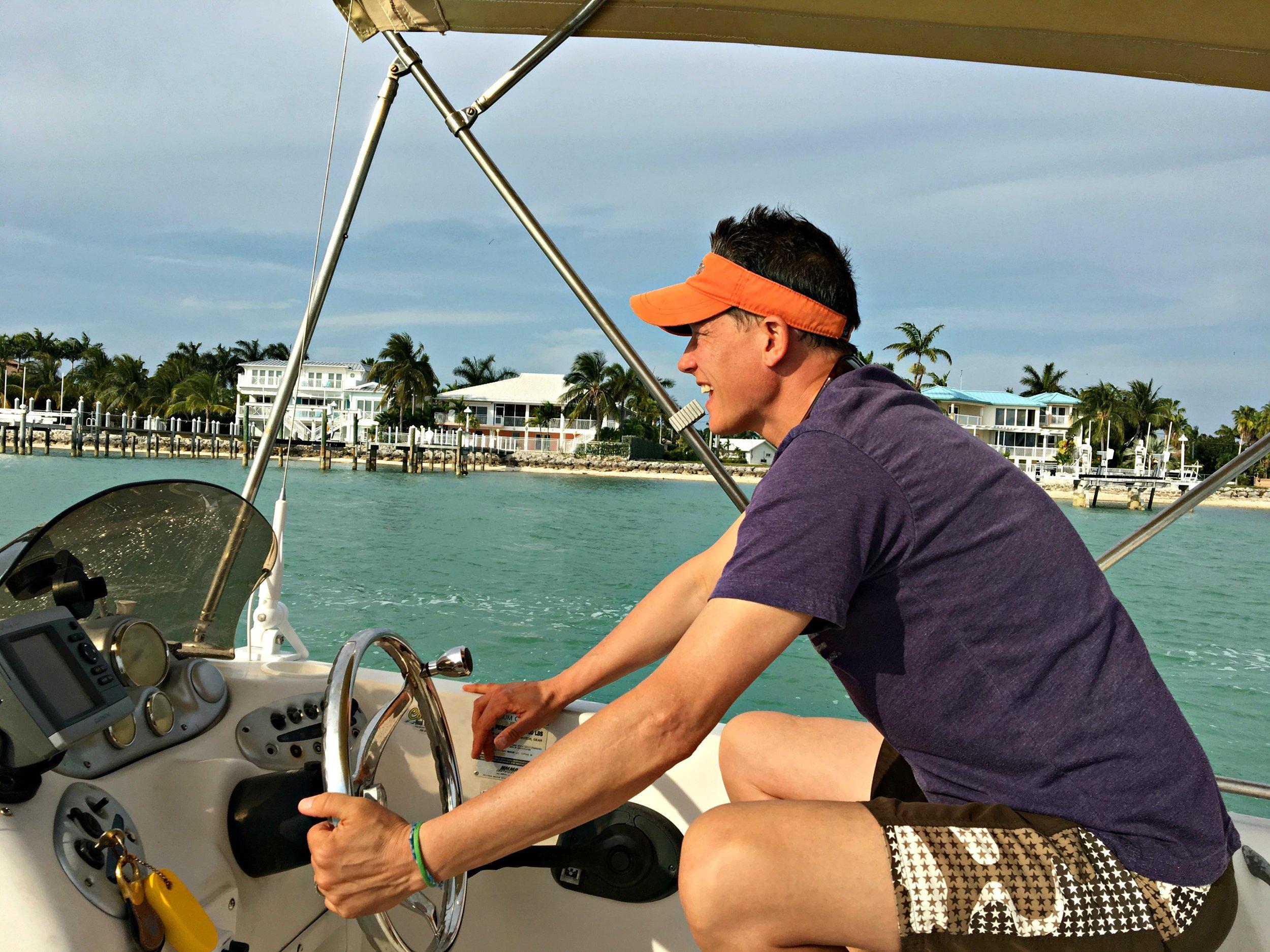 boat-driving-florida-keys