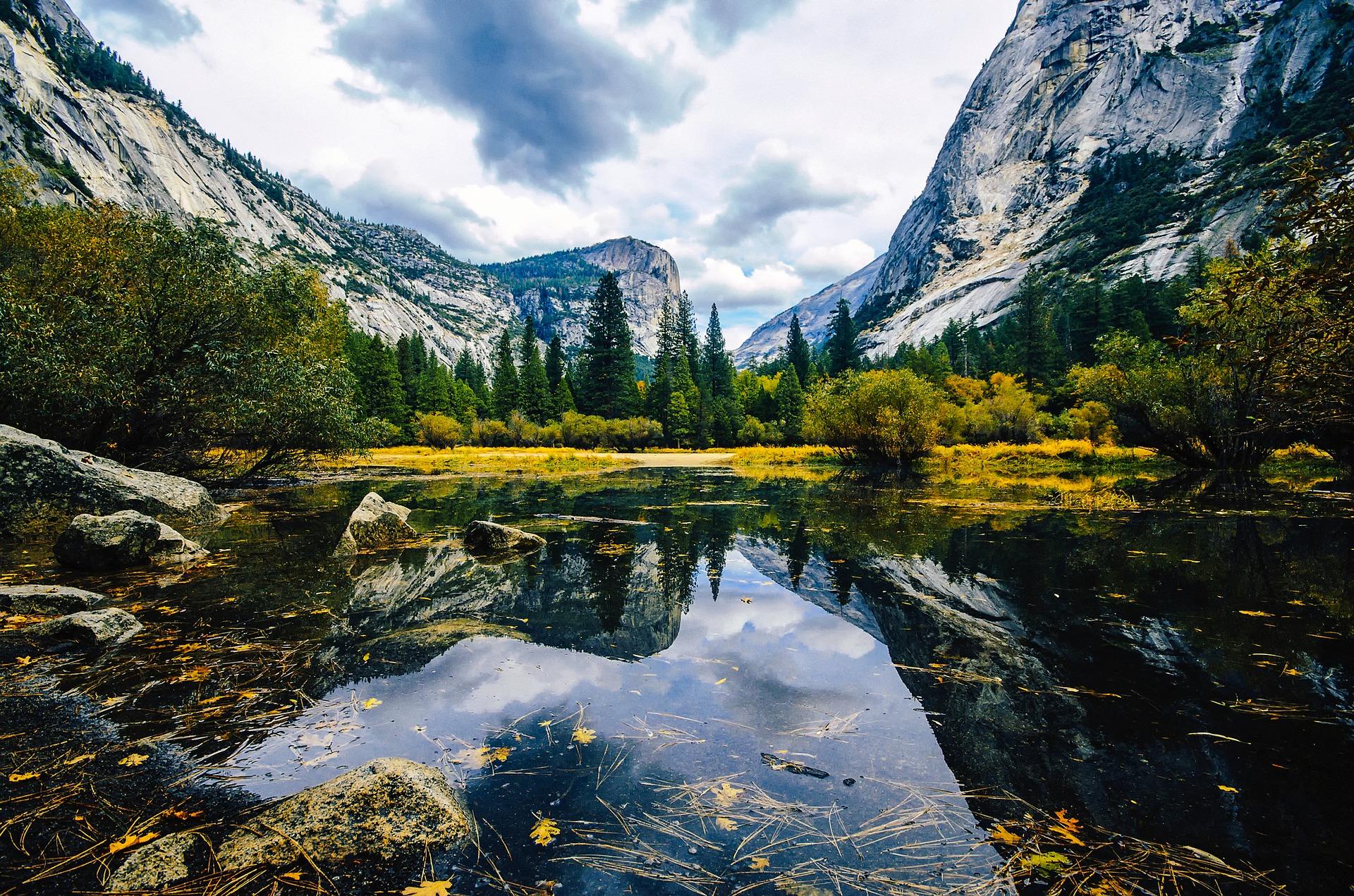 mirror-lake-yosemite-national-park-california-road-trip