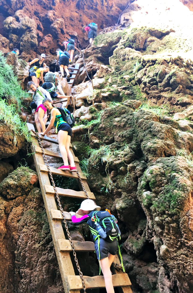hiking-down-ladders-mooney-falls-havasupai