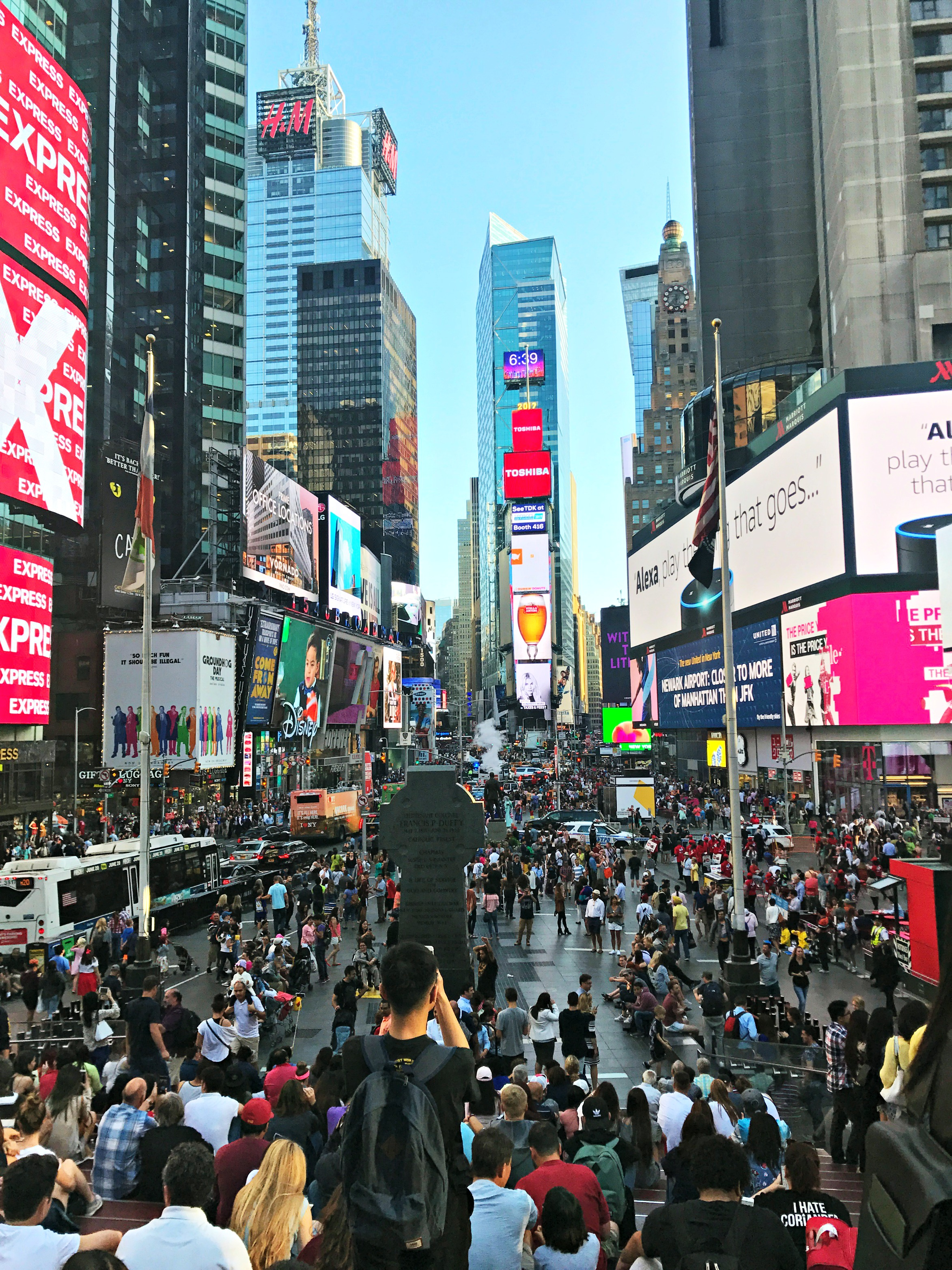 times-square-teenager-view