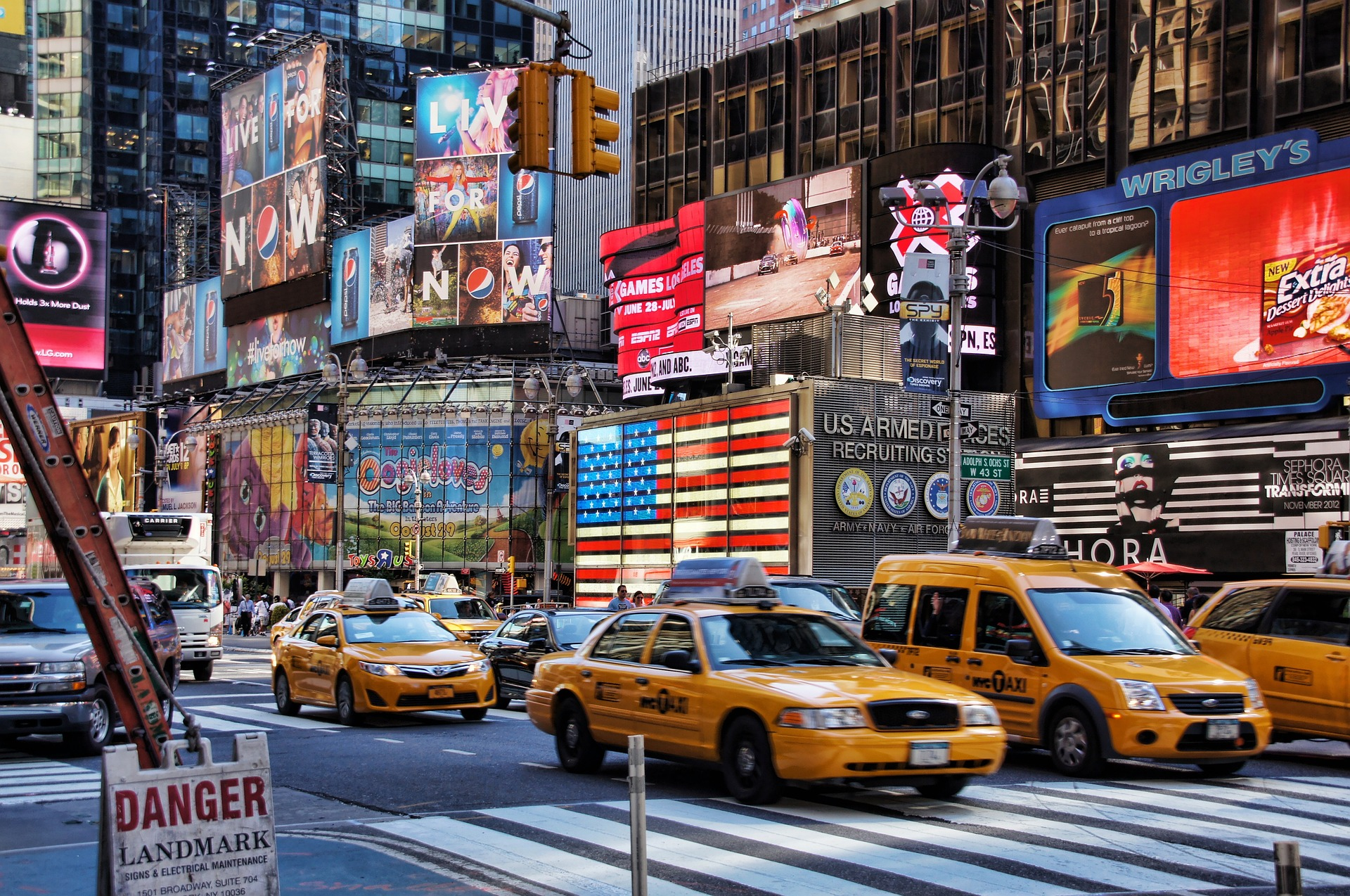 new-york-times-square-streets