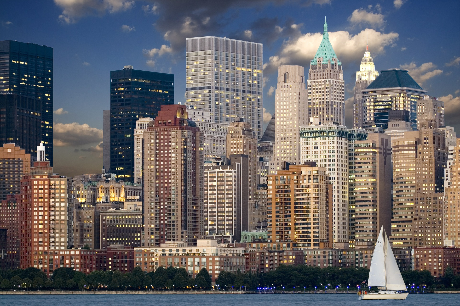 new-york-city-lit-up-from-hudson