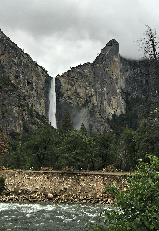 bridalveil-falls