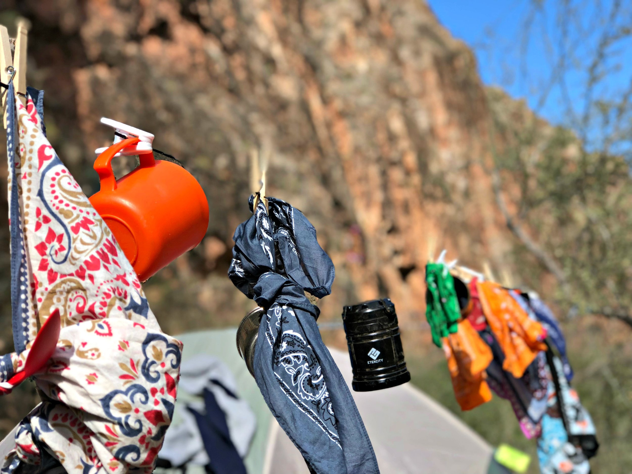 campground-clothes-line-cups-hankerchiefs
