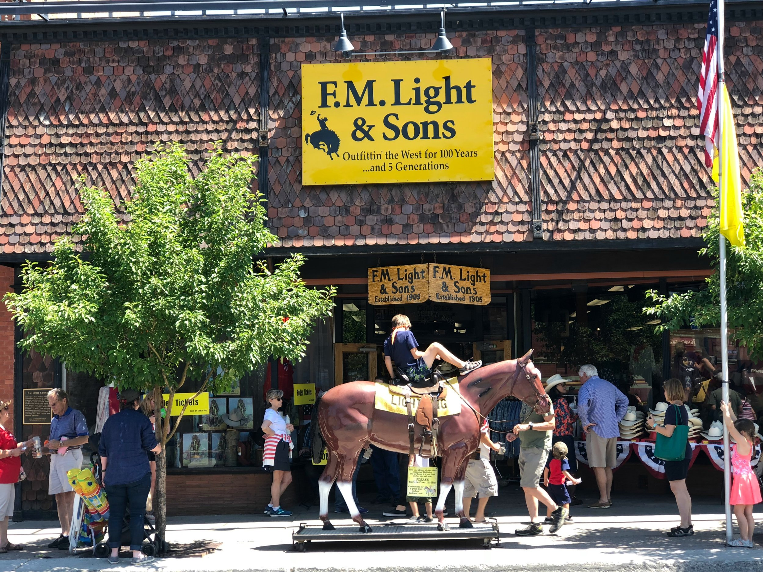 fm-light-sons-western-outfitter