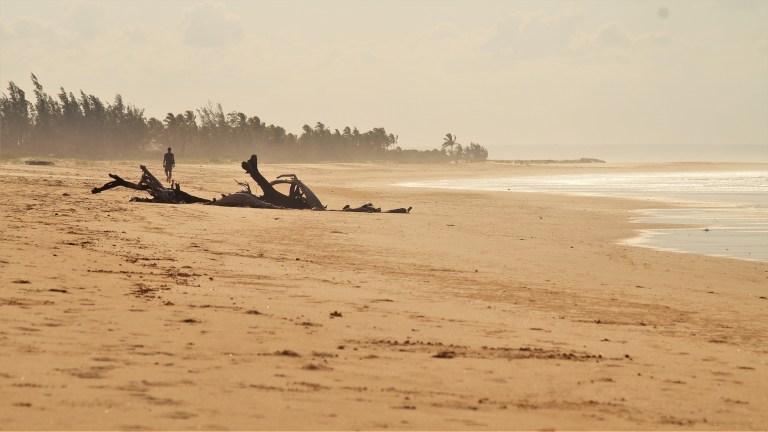barra-beach-mozambique