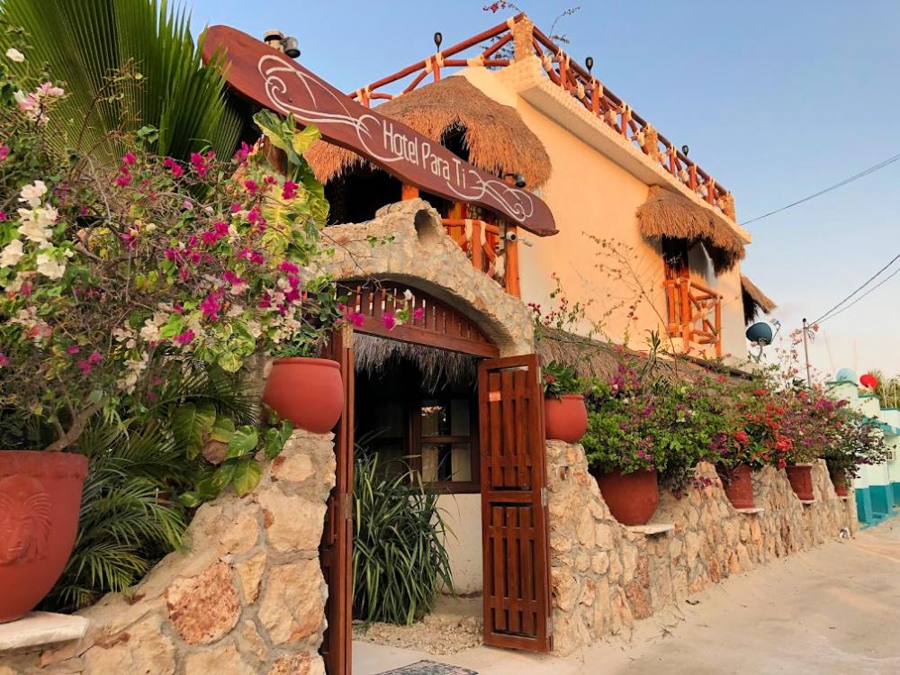 hotel-para-ti-entrance
