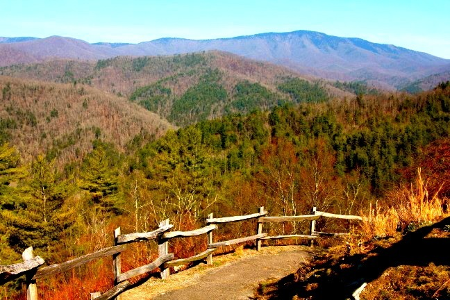 Cataloochee Valley Great Smoky Mountains - photo: Blue Ridge Mountains Travel Guide