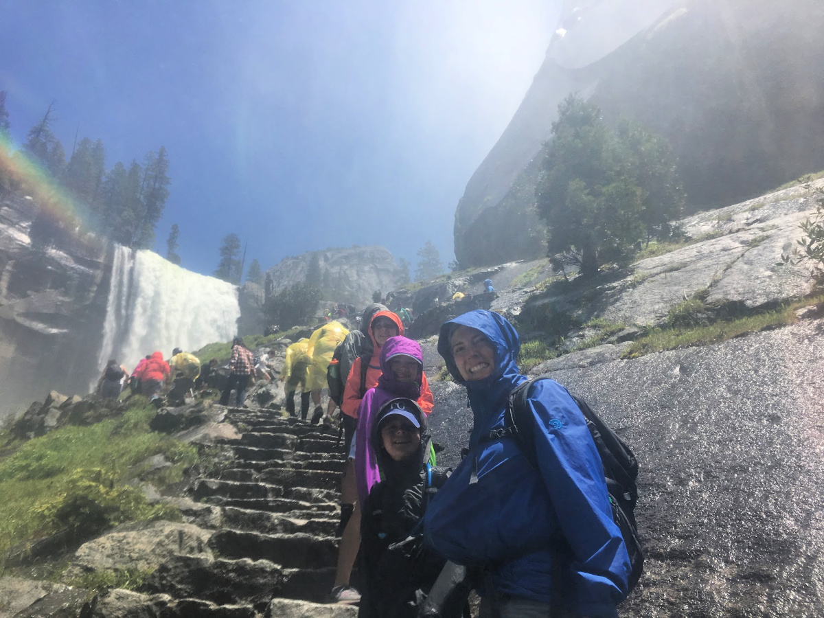 hiking-mist-trail-yosemite-national-park-with-kids