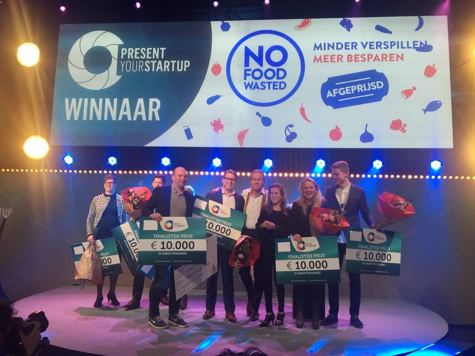 Finalisten 2016 met August de Vocht van NoFoodWasted in het midden.