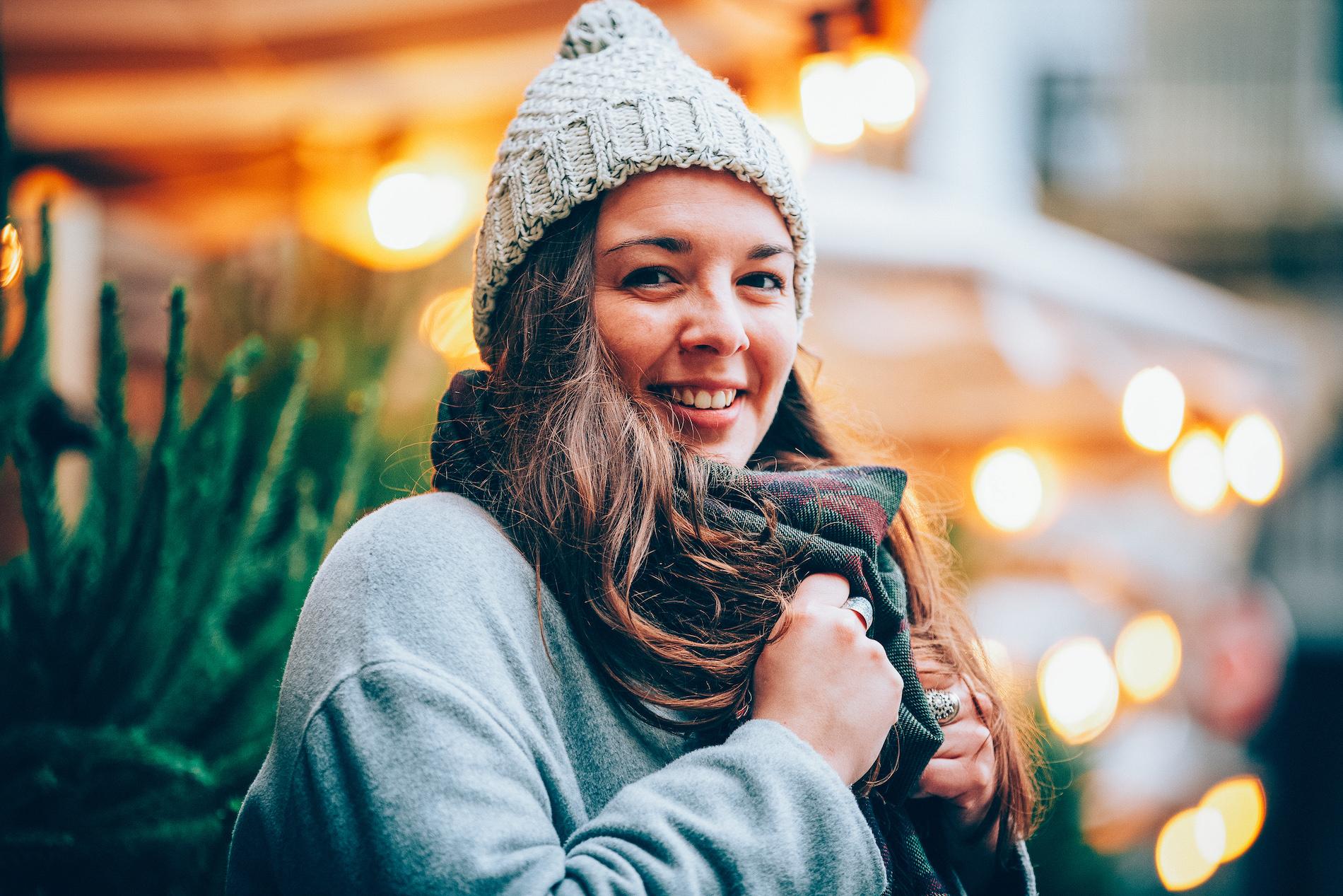 Pourrais-je discuter avec le photographe avant le shooting ? - Durant la réservation de votre séance, vous pourrez détailler vos attentes par rapport au shooting. On s'occupe ensuite de vous trouver le photographe qui correspond le mieux à votre projet. Vous pourrez échanger avec votre photographe par SMS et/ou avec l'équipe EVER par mail si vous avez des questions.