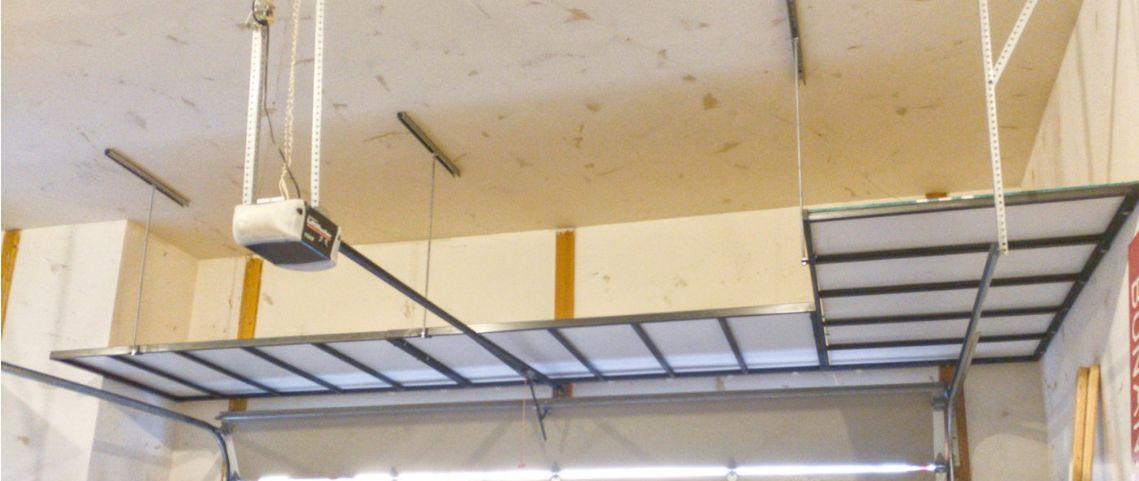 We can install an L-configuration in any lengths. Three units again, with three ceiling support rods.