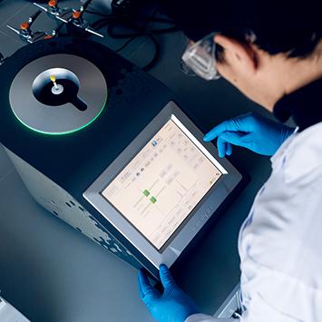 Teaching-Benchtop-NMR-Spectroscopy.jpg