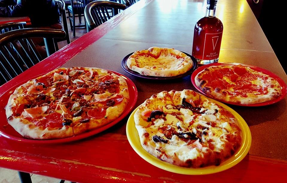 ilvicino_pizzas.jpg